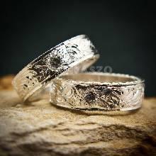 แหวนคู่ แหวนแกะลายทั้งวง ฝังเพชร