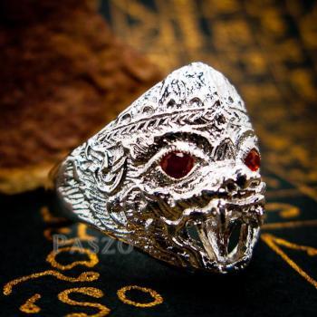แหวนหนุมาน ฝังโกเมน พลอยสีแดงก่ำ #2