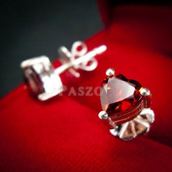ต่างหูพลอยโกเมน สีแดงก่ำ รูปหัวใจ #4