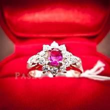 แหวนพลอยทับทิม พลอยสีแดง ล้อมรอบด้วยเพชร แหวนเงินแท้