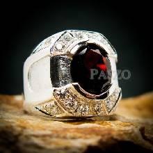 แหวนเงินสำหรับผู้ชาย แหวนพลอยโกเมน สีแดงก่ำ แหวนผู้ชาย ฝังพลอยโกเมน สีแดงแก่ก่ำ แหวนเงินแท้