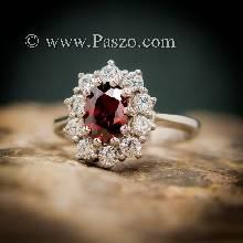 แหวนโกเมน แหวนพลอยสีแดงก่ำโกเมน ล้อมเพชร หนามเตยถี่ แหวนเงินแท้