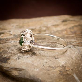 แหวนพลอยสีเขียว ล้อมเพชร พลอยมรกต #4