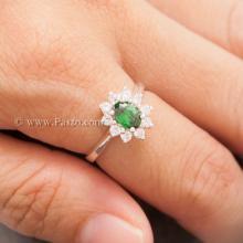 แหวนพลอยสีเขียว ล้อมเพชร พลอยมรกต แหวนเงินแท้ 925