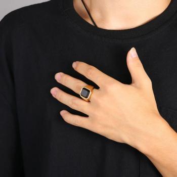 แหวนนิล แหวนผู้ชายพลอยสี่เหลี่ยม แหวนทองชุบ #5