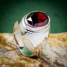 แหวนผู้ชาย แหวนโกเมน แหวนเงินแท้ ฝังพลอยสีแดงเข้ม