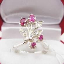 แหวนพลอยทับทิม พลอยสีแดง ช่อดอกไม้ แหวนเงินแท้925