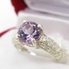 แหวนพลอยสีม่วงเม็ดกลม แหวนเงินฝังพลอยอะมิทิสต์ ก้านแหวนประดับเพชรแวววาว