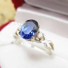 แหวนพลอยไพลิน แหวนเงินแท้ 925 ประดับเพชร บ่าแหวนไข้ว