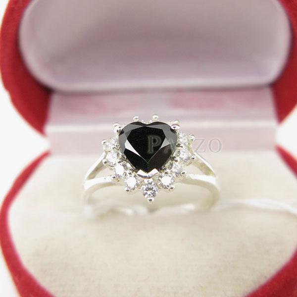 แหวนเงิน ฝังนิลแท้ รูปหัวใจ #3