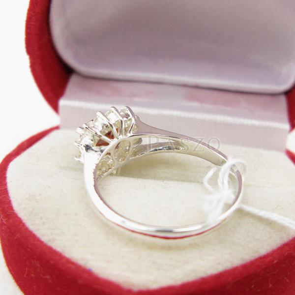 แหวนพลอยโกเมน รูปหัวใจ ล้อมเพชร #4
