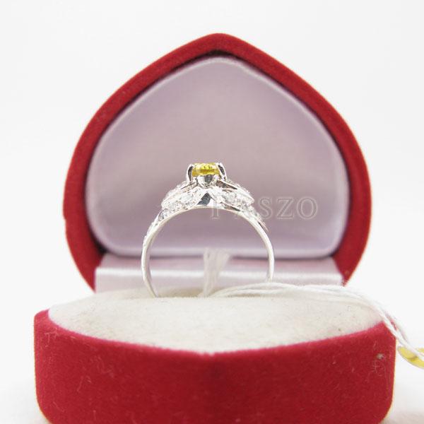 แหวนพลอยบุษราคัม พลอยสีเหลือง ล้อมเพชร #4