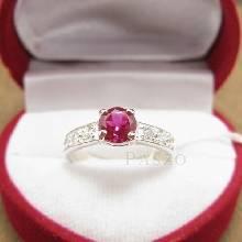 แหวนพลอยทับทิม เม็ดกลม สีแดง บ่าแหวนฝังเพชร แหวนเงินแท้ 925 แหวนรุ่นเล็ก