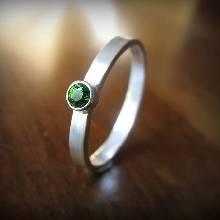 แหวนพลอยเขียว แหวนเงินแท้ พลอยมรกต เม็ดกลม แหวนมกรต รุ่นเล็ก
