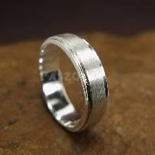 แหวนลดระดับขอบ หน้ากว้าง6มิล ตรงกลางปัดด้าน แหวนเงินแท้ แหวนเกลี้ยง