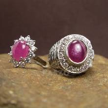 ชุดแหวนครบรอบวันแต่งงาน แหวนเงินแท้ชุบทองคำขาว ฝังพลอยทับทิมแท้ ล้อมเพชร