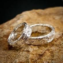 ชุดแหวนคู่รัก แหวนเงินแกะลายรอบวง แหวนเงินแท้ 1 ชุด มี 2 วง
