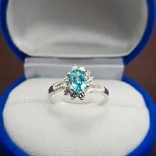 แหวนพลอยบลูโทพาซ เพชรข้างละ3เม็ด แหวนเงิน แหวนผู้หญิง แหวนสีฟ้า