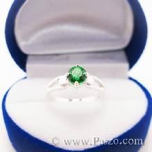 แหวนสีเขียว แหวนเงินแท้ แหวนเล็ก ๆ พลอยมรกต เม็ดกลม เม็ดเดี่ยว