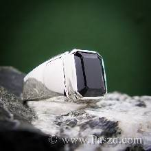 แหวนผู้ชายนิล แหวนผู้ชายเงินแท้ ฝังนิล เจียระไนสี่เหลี่ยม แหวนทรงสี่เหลี่ยม แหวนผู้ชาย