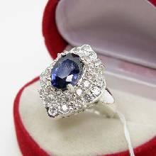 แหวนไพลิน แหวนเงิน ล้อมเพชร แหวนรุ่นใหญ่