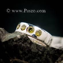 แหวนพลอย สีเขียวมะกอก 4 เม็ด ฝังบนแหวนเงินแท้ตันหน้าเรียบ