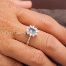 แหวนอความารีน แหวนพลอยสีน้ำทะเล แหวนเงินแท้ ล้อมเพชร