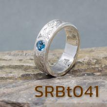 แหวนลายไทย แหวนพลอยสีฟ้า แกะสลักลายไทย รอบวง ไร้รอยต่อ แหวนเกลี้ยงเงินแท้