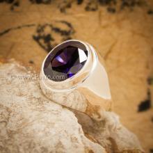 แหวนพลอยม่วงเข้ม แหวนผู้ชายเงินแท้ ฝังพลอยสีม่วง แหวนผู้ชายแบบเรียบๆ แหวนผู้ชาย