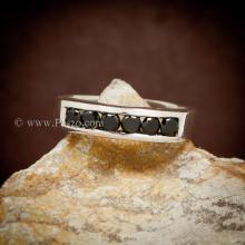 แหวนนิล แหวนแถว พลอยสีดำ พลอยเม็ดกลม 6เม็ด แหวนแถว แหวนเงินแท้ 925 ฝังล๊อก