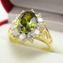 แหวนพลอยเขียวส่อง ล้อมเพชร แหวนทองชุบ