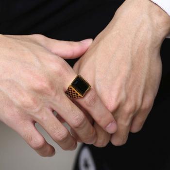 แหวนผู้ชาย พลอยนิล เม็ดสี่เหลี่ยม #5
