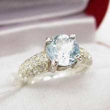 แหวนพลอยอะความารีน แหวนคลาสสิก พลอยสีน้ำทะเล บ่าแหวนฝังเพชร แหวนเงินแท้925