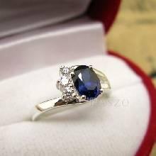 แหวนพลอยไพลิน ประดับเพชร แหวนเงิน พลอยสีน้ำเงิน