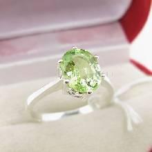 แหวนพลอยเพอริดอท พลอยสีเขียวน้ำมะนาว ตัวแหวนเงินแท้ 925