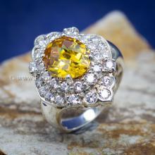 แหวนพลอยบุษราคัม แหวนเงิน ล้อมเพชร แหวนรุ่นใหญ่