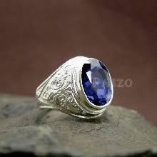 แหวนผู้ชายไพลิน แหวนผู้ชายเงินแท้ ฝังพลอยไพลิน แหวนมอญ แหวนเงินแท้ 925 แหวนผู้ชาย แกะสลักลายไทย