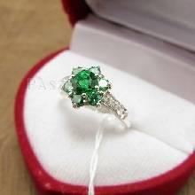 แหวนพลอยมรกต ประดับเพชร แหวนเงินแท้925 แหวนพลอยสีเขียว