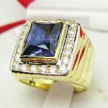 แหวนผู้ชายทองแท้ แหวนพลอยไพลิน ล้อมเพชร แหวนผู้ชายทรงเหลี่ยม